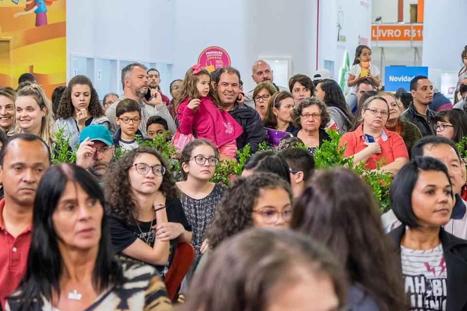 38614776 2211983848816025 9204763064547672064 n - Quadrinho da Turma da Mônica entra para o Guinness World Records