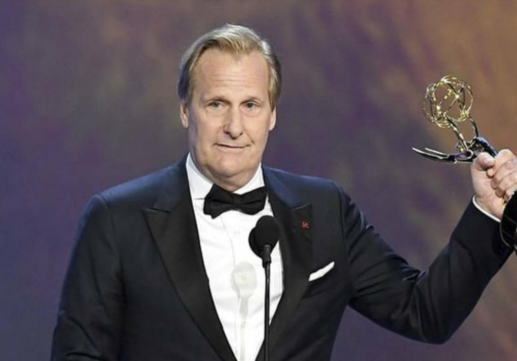 PicsArt 09 17 11.46.59 - Emmy 2018 | Confira os Campeões da Noite!