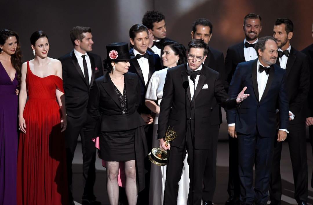 PicsArt 09 18 01.01.45 - Emmy 2018 | Confira os Campeões da Noite!
