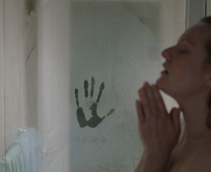 elizabeth moss em o homem invisivel 195791 700x570 700x570 - Filmes e séries